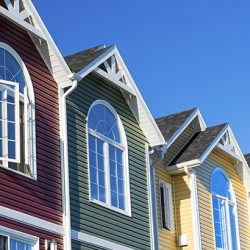 characteristics of vinyl and wood siding installations